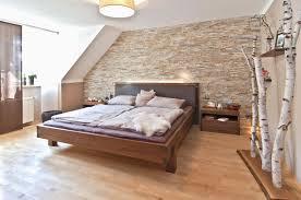 Wandgestaltung Schlafzimmer Dachschräge Künstlerisch Deko Ideen