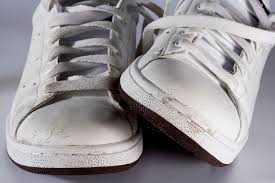 how to remove creases from leather shoes
