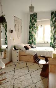 Small Bedroom Curtain 17 Best Ideas About Small Room Decor On Pinterest Small Rooms