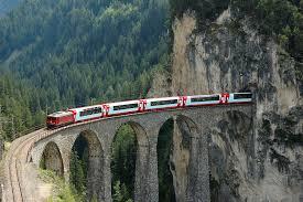 Resultado de imagem para viagens de trem Glacier Express (Suíça)
