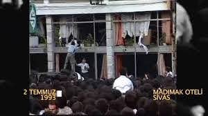 Daha Önce Hiç Yayınlanmamış Yeni Görüntüler - Madımak Sivas Katliamı - 2  Temmuz 1993 - YouTube