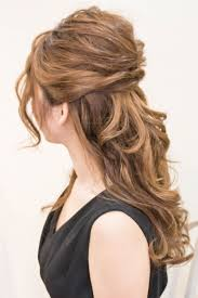 ふわっとルーズなハーフアップbrotoのヘアスタイル Hair Style
