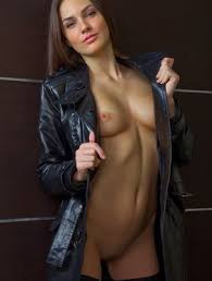 Hot Brunette Vanda B In Back Stockings Spreading To Show Naked Shaved Pussy Fapcat