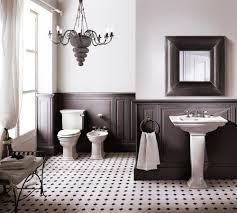 Ein Kronleuchter Im Badezimmer Wirkt Auf Den Mehr Infos
