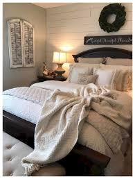 Magnificient farmhouse master bedroom decor design ideas Ceiling 32 Beautiful Farmhouse Master Bedroom Decor Ideas 00047 Veranda 32 Beautiful Farmhouse Master Bedroom Decor Ideas 00047 The Best