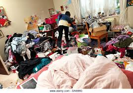 Weird Messy Girls Room Pics Mojly Teenage Girl In Her Messy Bedroom  England Da688g