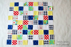 Easy Quilt Layouts for Beginning Quilters - Simple Simon and Company & Random Patchwork Squares Quilt Adamdwight.com