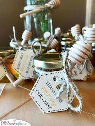baby shower gift ideas for guests 25
