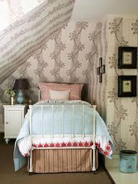 Shabby Chic Bedroom Wallpaper White Framed Bed Turquoise Green Quilt Cover Beige Rug Beige