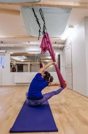 aerial yoga nybörjare work på engelska tisdag 18 12 kl 18 19 30 250 kr