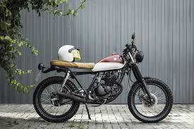 há muito tempo vinha observando algumas motos customizadas mas nunca me chamava muita a atenção até conhecer os estilos de cafe racer scramblers brat