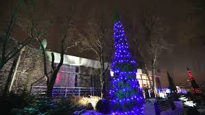 view modern house lights. Exterior Of Modern House Or Restaurant, The Christmas Lights Are Lit On Trees, View