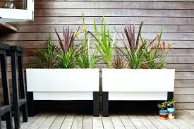 modern planters modern outdoor planters modern indoor planters modern plant pots modern contemporary plant pots uk
