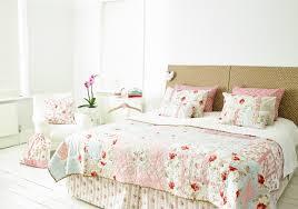 achica living | design & lifestyle magazine Craft: How to make a ... & pastel-patchwork-bedspread-sew-fabulous-stuart-hillard-3- Adamdwight.com