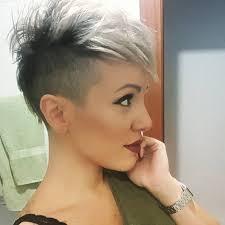 Grijs Een Saaie Haarkleur Deze 10 Korte Kapsels Bewijzen Het