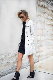 black strappy sandal wedges with summer trench coat bmodish