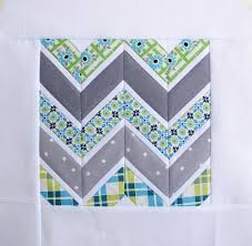 8 FREE Paper-Pieced Quilt Block Patterns & Sharp Chevrons Adamdwight.com