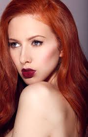 Into The Red A make up style and beauty blog for redheads.
