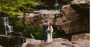 11 woodsy pennsylvania wedding venues that are perfect for nature