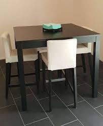 Ensemble table haute + chaises - Tables & Chaises