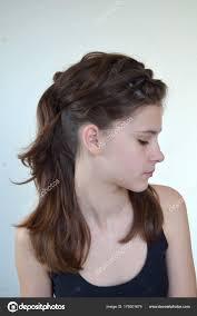 Portrét Mladé Dívky účes Středně Dlouhé Vlasy Stock Fotografie