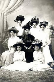 Postcard - Young women, Hutchinson, MN c.1905
