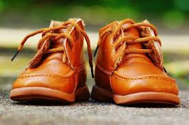 remove creases from leather shoes