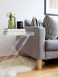 diffe ways to style an end table