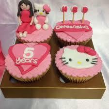 Hello Kitty Cupcakes Food Drinks Baked Goods On Carousell