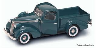 Signature Models 1:32 1937 Studebaker Pickup