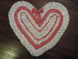heart shaped rag rug toothbrush rug rose white