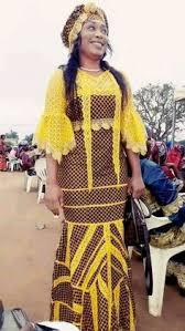 Model de robe pagne avec dentelle. 130 Idees De Robe Africaine Dentelle Robe Africaine Dentelle Robe Africaine Mode Africaine Robe