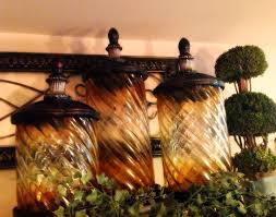 idea decorating above kitchen cabinets tuscan style