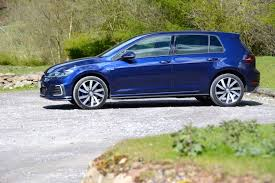 Volkswagen Golf GTE Review - GreenCarGuide.co.uk
