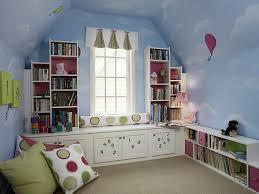 Bedroom Modern Decoration Design Using WHite Sheet Platform Bed - Girls bedroom decor ideas