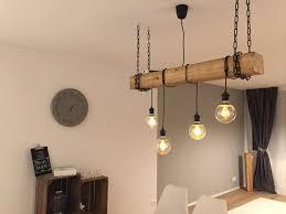 Selfmade Rustikale Lampe Mit Hängenden Glühbirnen Und Holzbalken