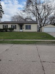 We provide a basic understanding of the many types of insurance and supplemental resources. 942 33rd Ave East Moline Il 61244 Zillow