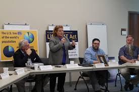 heitkamp holds roundtable at chi st alexius inson