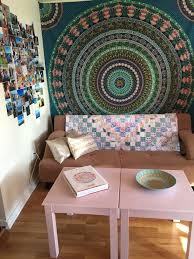 fun ways to personalize your dorm room