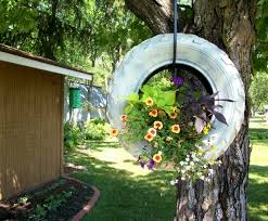 garden decoration. 17 Inspirational Ideas How To Recycle Old Trash Into Beautiful Garden Decorations Decoration D