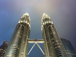 photo of the week the petronas twin towers love lee love