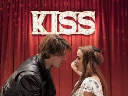 More amateur teen kissing