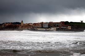 Playa de San Lorenzo. Gijón. Asturias. North Spain. | Surf Spots ...