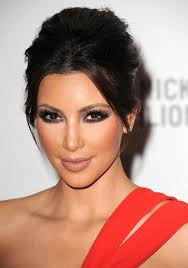 is kim kardashian wearing too much makeup hollywood life staff getty images