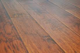 image of lamton laminate flooring chocolate maple 8mm