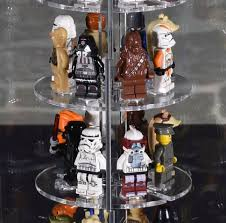 SingleTower Vitrine für 32 eure LEGO® Figuren egal ob Star Wars oder Ninjago  - Markenwelt Voegele