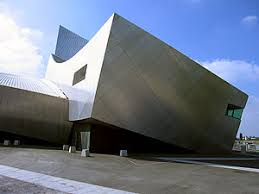 intersecting planes architecture. an archetype of deconstructivist architecture, it comprises three fragmented, intersecting curved volumes, symbolizing the destruction war. planes architecture