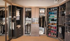 walk closet. Walk In Closet Aria With Two 360 Spinners