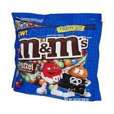 m m s party size pretzel chocolate cans