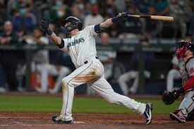 3rd straight game, Mariners top Bosox ...
